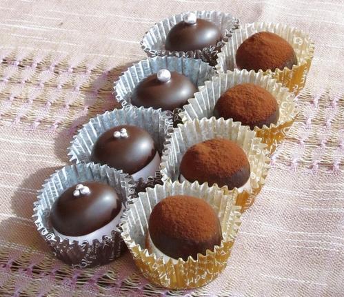 Super Simple Valentine's Chocolates