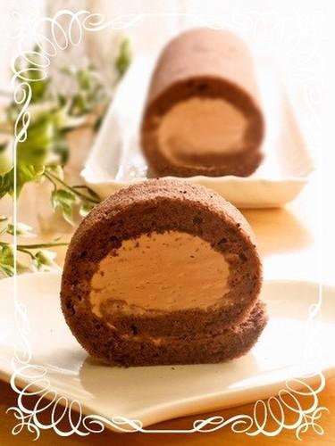 Moist Fluffy Chocolate Swiss Roll