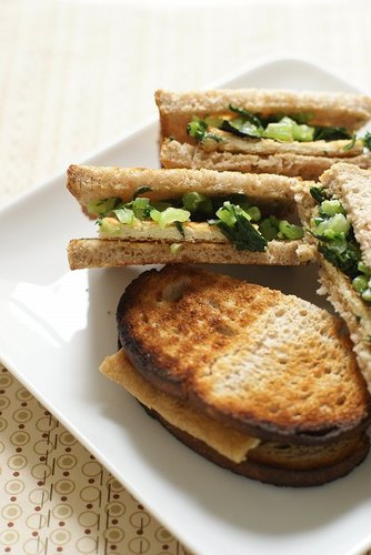 Macrobiotic Deep-fried Tofu and Daikon Radish Leaves Sandwich