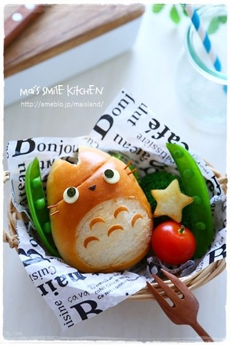Totoro Sandwich using a Bread Roll