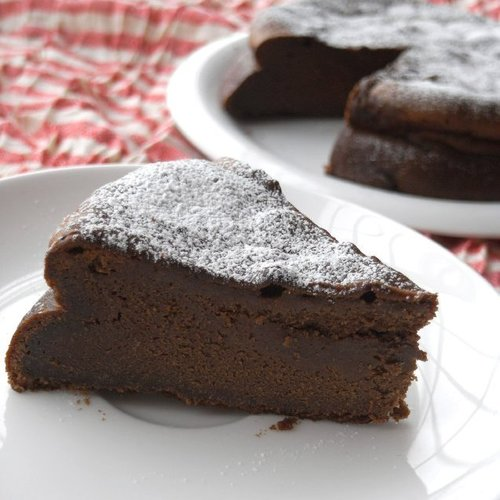 Simple & Easy Lavish Gateau au Chocolat