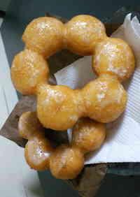 """""""Pon-de-Ring"""" Doughnuts"""
