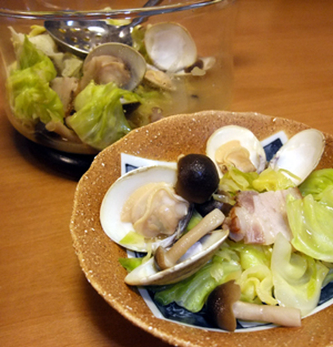 Sake Steamed Surf Clams with Cabbage Made in the Microwave