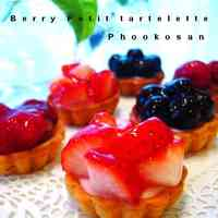 Triple Berry Mini Cheesecake Tarts