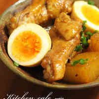 Braised Chicken and Daikon in Sweet-Savory Sauce