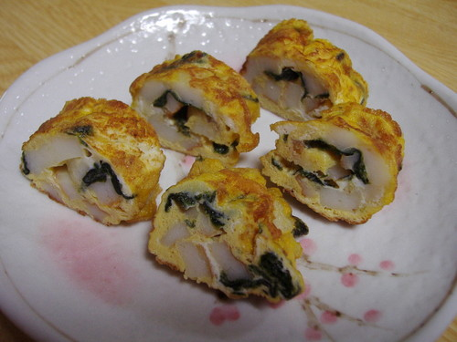 For Packed Lunches: Tamagoyaki with Seaweed and Chikuwa