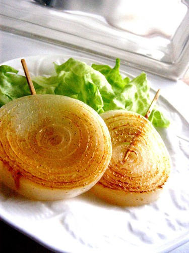 """Sweet and Rich Onion """"Steaks"""""""