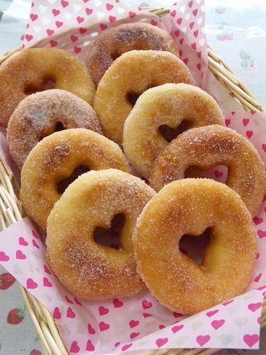 Easy in a Bread Maker Heart-shaped Doughnuts