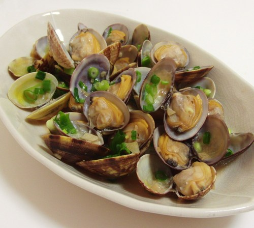 Easy and Delicious Asari Clams Steamed In Sake