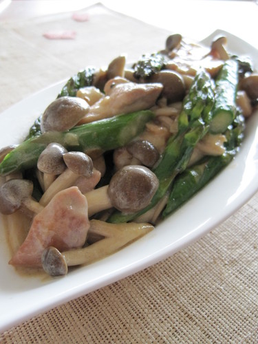 Chicken and Asparagus in Oyster Cream Sauce