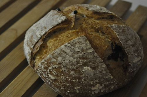 Pain de Campagne With Walnuts and Cranberries: 5 minutes in a Bread Maker