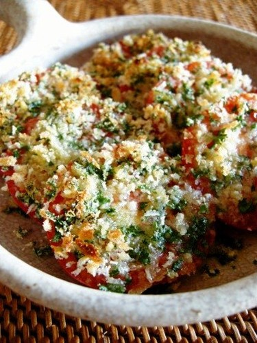 Baked Tomatoes with Parsley Cheese Breadcrumbs