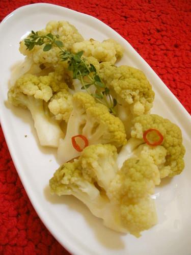 Easy Pickled Cauliflower