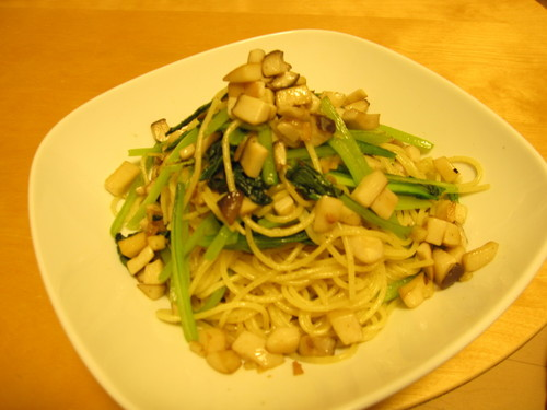 Komatsuna and King Oyster Mushroom Aglio, Olio e Peperoncino