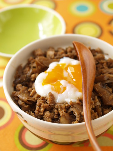 Ginger Teriyaki Soboro Rice Bowl