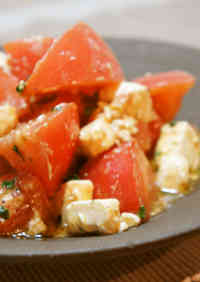Indescribably Delicious Tomato Salad