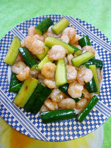 Chinese-style Shrimp and Cucumber Salt Stir-Fry