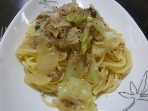 Easy Pasta with Cabbage and Tuna