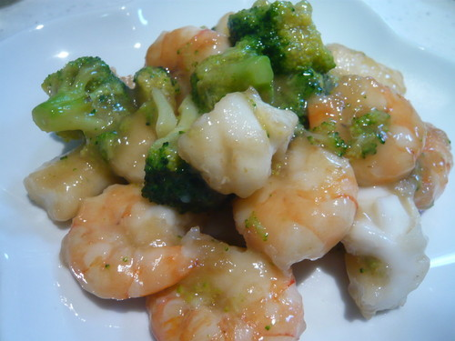 Chinese Stir-Fried Shrimp, Squid, and Broccoli