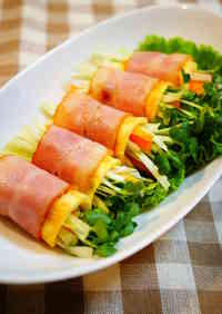 Raw Vegetables Wrapped with Bacon and Eggs