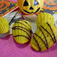 Moist Kabocha Madeleines for Halloween