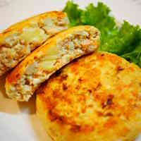 Salmon and Tofu Burgers With Cheese