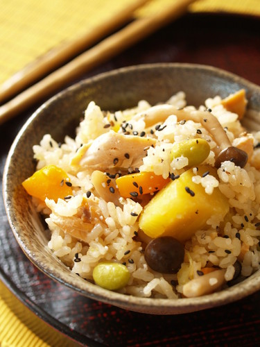 Rice with Colorful Autumn Vegetables (Gomoku Takikomi Gohan)
