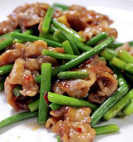 Simple to Make Garlic Shoots Sansho Seed Stir-fry
