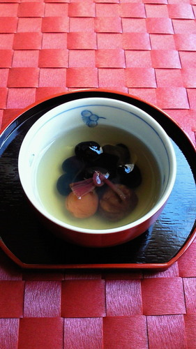 To Serve to Guests or on Special Occasions: Good Luck Tea with Black Soy Beans