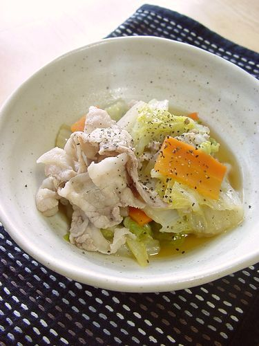 Chinese Cabbage & Pork Simmered with Consommé and Butter