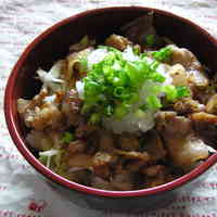Refreshing Pork Don Rice Bowl with Ponzu Sauce and Grated Daikon Radish