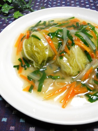 Chinese-style Napa Cabbage Rolls