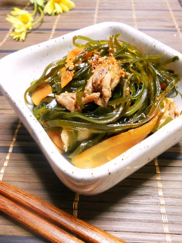 Stir-Fried and Simmered Precut Konbu Seaweed and Pork