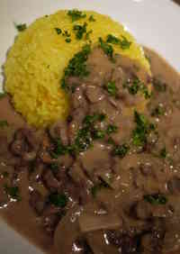 Easy and Authentic Beef Stroganoff