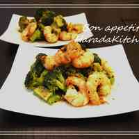 10 Minute Shrimp & Broccoli Basil Sauté