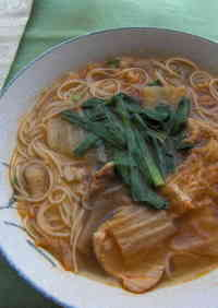 Somen Noodles in Soup with Pork and Kimchi