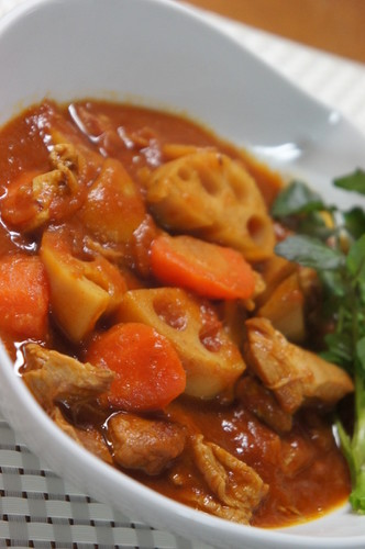 Tomato and Curry Stew with Chicken and Lotus Root