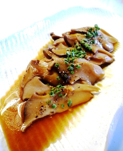 Braised King Oyster Mushrooms with Oyster Sauce and Mustard