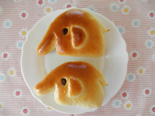 Elephant-Shaped Ham and Cheese Rolls