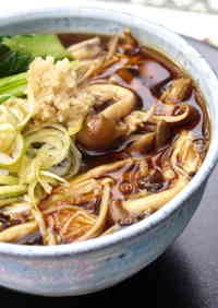 To Warm You Up! Piping Hot Ankake Mushroom Soba Noodles