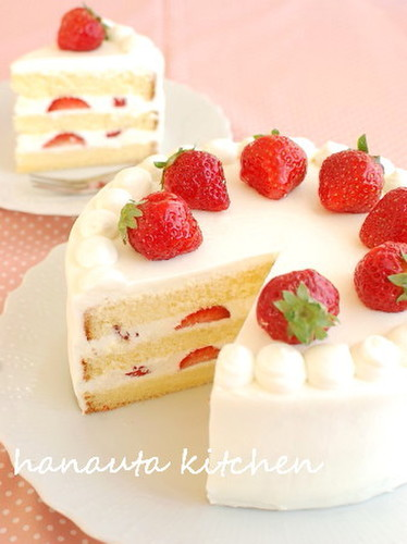Indulgent Creamy Strawberry Shortcake