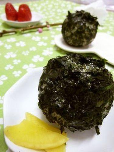 Granny's Round Onigiri Rice Balls