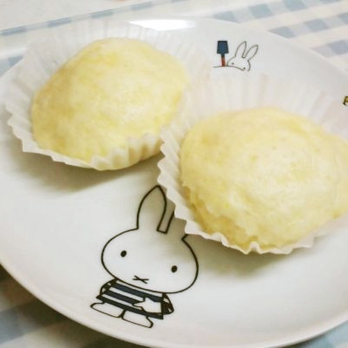 Yogurt Steamed Bread with Pancake Mix in a Frying Pan
