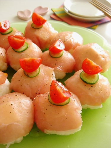 Western Style Temarizushi (Ball Shaped Sushi) with Cured Ham and Cheese