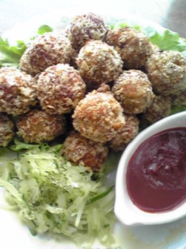 Delicious Deep Fried Pork Meatballs