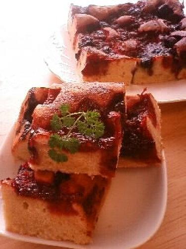 Mixed Berry Meringue Cake