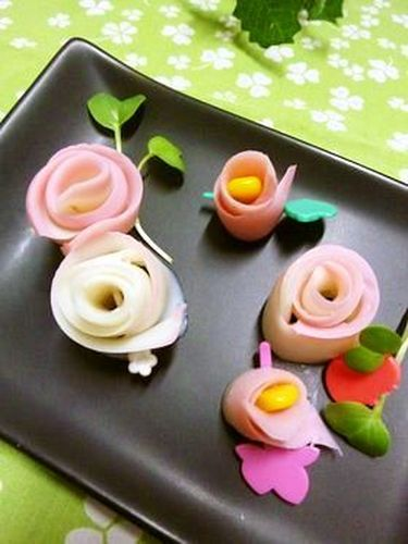 Kamaboko Flowers Using a Vegetable Peeler