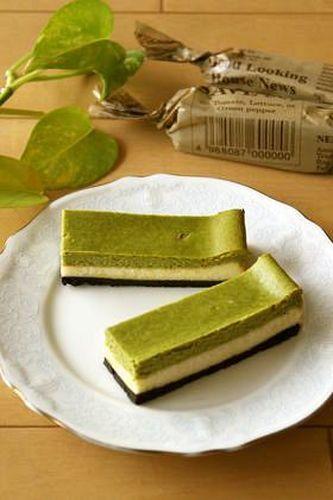 Baked Matcha Cheesecake Bars