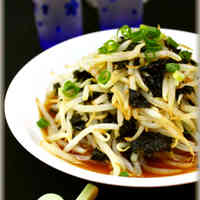 Bean Sprouts and Nori Seaweed Salad With Sweet Vinegar Garlic Sauce