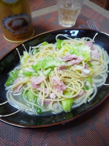 Simple Spring Cabbage & Bacon Soup Pasta